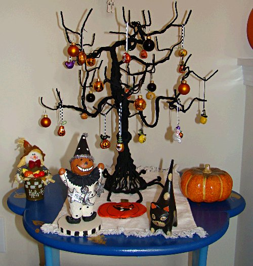 Closeup of Halloween tree